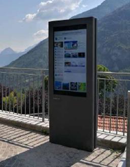 OmDigital Soluciones Audiovisuales. Totem exterior